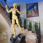 Статуя Христа Сальвадора Дали